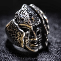 TWO FACES RING